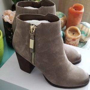 *SOLD* 🍰Host pick!🍰 Mathia Ankle Booties, Aldo